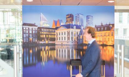 NH Den Haag - Textieldoek in frame